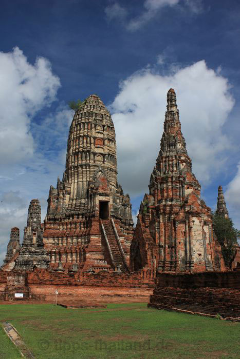 AyutthayaBootsfahrt1Tempel
