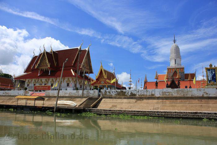 AyutthayaBootsfahrt2Tempel